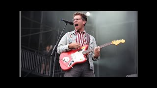 Watch Parquet Courts get 'The Ellen Show' audience dancing with funk-laden single 'Wide Awake' - NME