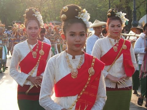 Thai traditional dance group forcus @ Songkran parade BKK Sanam luang park 2014
