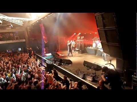 THE STONE ROSES - BARCELONA RAZZMATAZZ - I AM THE RESURECTION - HIGH QUALITY HD 09june2012