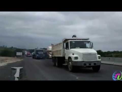 Campesinos vuelven a bloquear carretera Coatzacoalcos-Villahermosa