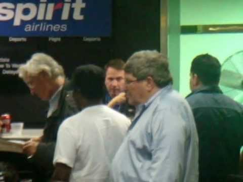 ANGRY CUSTOMERS CALL POLICE FOR POOR CUSTOMER SERVICE SPIRIT AIRLINES PART#2