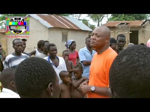 La population de Kpondoavé arrête Jean-Pierre Fabre pour un meeting improvisé
