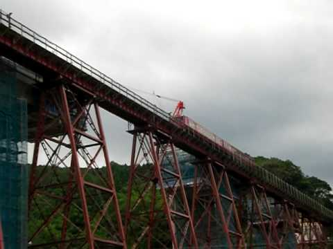 余部橋梁を渡る普通城崎温泉行