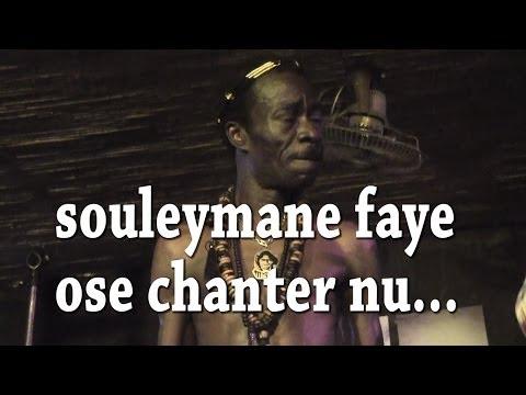 Souleymane faye à encore frappé un grand coup en enlevant ses habits en plein concert. ------------------------ Bienvenue sur la chaîne Senegaltv. Première web-tv sénégalaise depuis prêt...