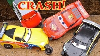 Cars 2 Launching Play Set Lightning McQueen Crashes On Impact Lewis Hamilton Memo Rojas