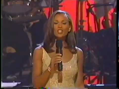 Vanessa Williams - Angels We Have Heard On High