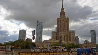 Walking in Warsaw  ( Poland )