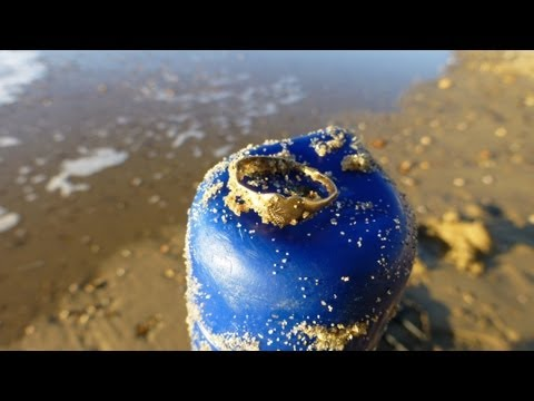 Beach metal detecting with Mal & CTX3030 at Bournemouth, UK 10th December 2012
