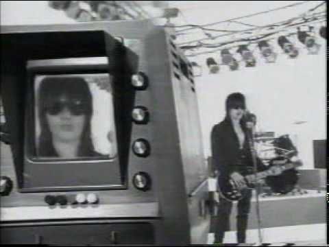 La Guns - Never Enough