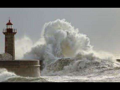 Шторм Кармен во Франции(Бретань) 01.01.2018 .Что произошло на нашей Планете. Что произошло в мире.
