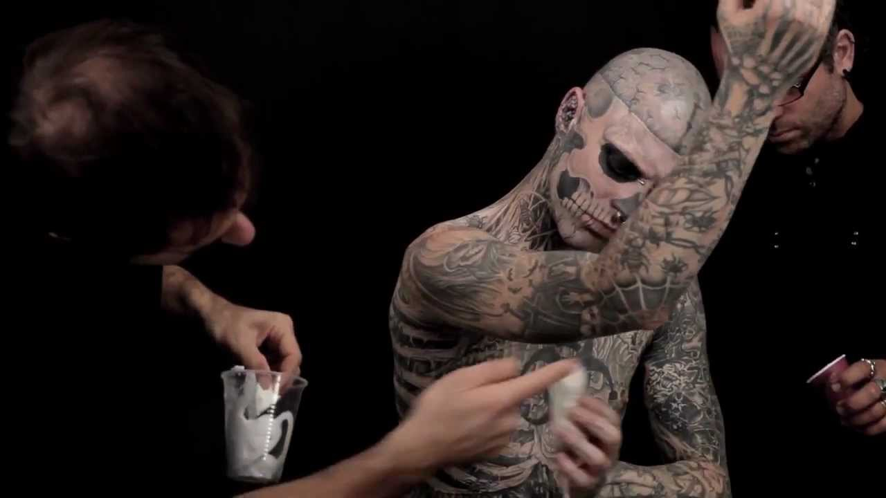 Tattoo cover up youtube for Dermablend tattoo cover up video
