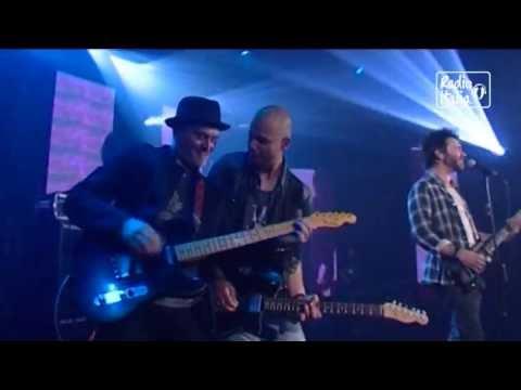 Nek Live – Laura non c'e' 2013 dal vivo a RadioItaliaLive
