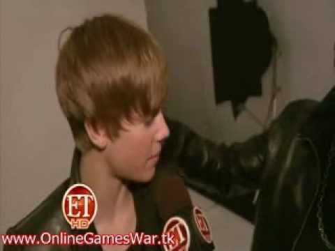 Usher Crashes Justin Bieber Interview Backstage at the 2010 American Music Awards