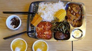 【盗月社】北京二环里专供老年人的16元老年餐,年轻人吃得饱吗?