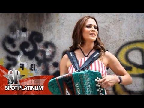 DANIA MARÍA - POQUITO A POQUITO (VIDEO OFICIAL)