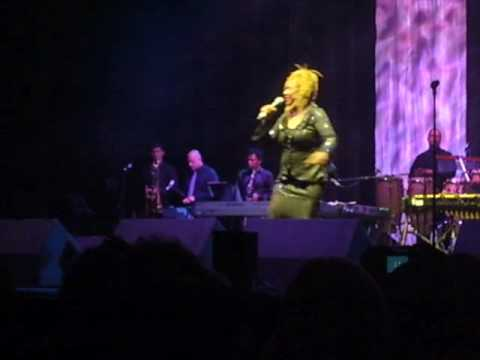 Thelma Houston - Saturday Night Sunday Morning (Live 2009)