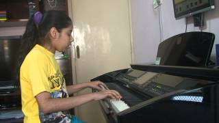 7 Khoon Maaf - Nandini playing on Piano ... Darling ... 7 Khoon Maaf