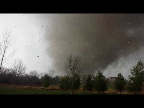 Man films Tornado coming directly at him