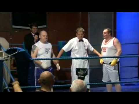 amateur boxing - alwyn powell's first fight (preceded by comedy fight - dan ...