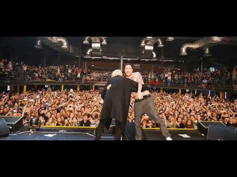 СКРИПТОНИТ feat T-FEST | ЛАМБАДА | Раскачали зал! | LIVE | Презентация Альбома