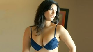 Porn Star Sunny Leone sexy moments : Hot and sexy styles of Sunny leone 2016 New Sex