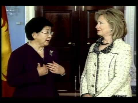 AQSh-Qirg'iziston muzokaralari, Clinton-Otunbayeva meet at State Dept, Washington