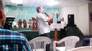 Apostol Junier Romero.