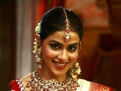 Bollywood Events - Genelia D'Souza Celebrates Her Pre Wedding Customs In Maharashtrian Style
