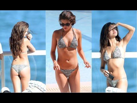 Selena Gomez Bikini - 2017 thumbnail