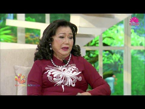 Nghệ sĩ Kim Cương nói chuyện trên chùa Phật Quang