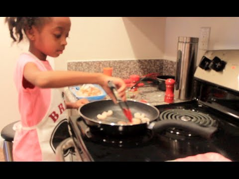 ◕‿◕ Brienas Audition Rachael Ray v Guy Fieri Kids Cook Off