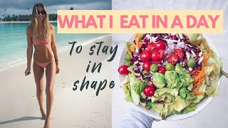 WHAT I EAT IN A DAY TO STAY IN SHAPE // RAW TILL DINNER // VEGAN // HEALTHY DURING QUARANTINE