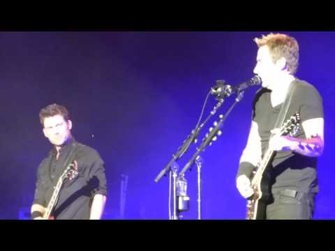 Nickelback -  Hero (Chad Kroeger song) LIVE Austin 4/4/15