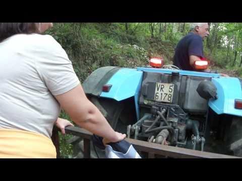 Salita in montagna col trattore