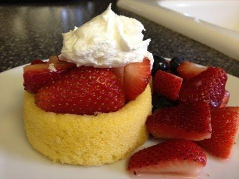Weight Watchers Recipe - Strawberry Shortcake dessert! Quick and Easy! 3 Point Dessert!