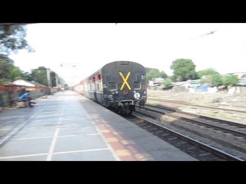 Honking WCAM2 'BALWANT' 21861 blasting with 12263 Pune-NZM Duronto