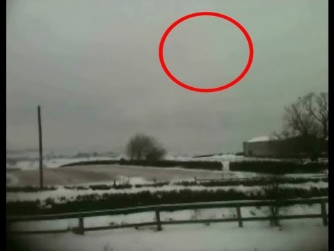 UFO Caught On Tape Above London UK, UFO Sighting News
