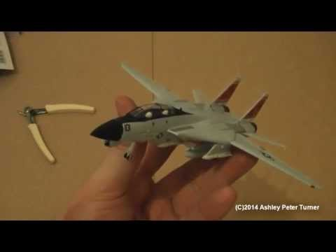 Revell EasyKit 06623 US Navy F-14D Tomcat (1:100 scale) Review & Build HD