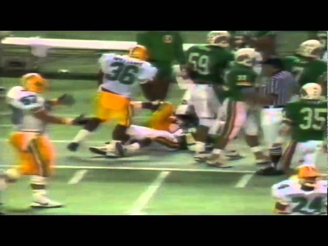 Oregon CB Chris Oldham returns kickoff to the 36 yard line vs. Hawaii 12-03-88