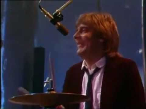 Dozy, Beaky, Mick & Tich - You've Got Me On The Run