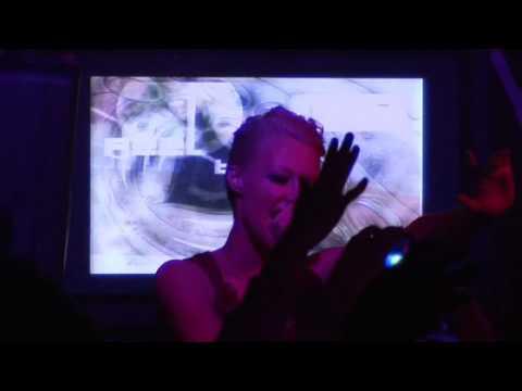 Emma Hewitt - Lasting Light (ft. Ronski Speed)