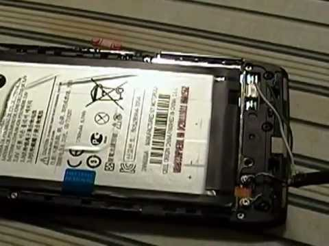 Motorola Droid Razr charging with a dead battery.