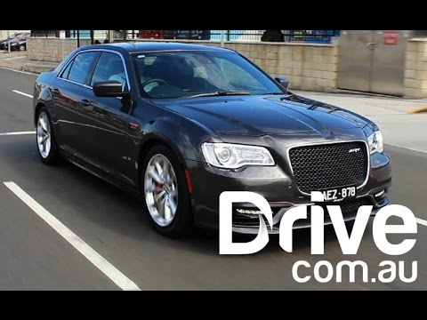 2015 Chrysler 300 SRT Review | Drive.com.au