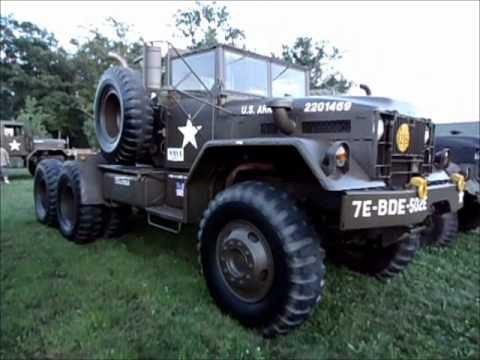 Iola Vintage Military & Gun Show - Ekol Voltron Blank Firing Submachine Gun - Military Vehicles