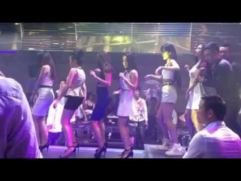 Phiêu nhạc ở vũ trường nào ...