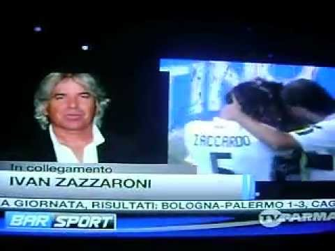 ZAZZARONI BALLANDO CON BAR SPORT…