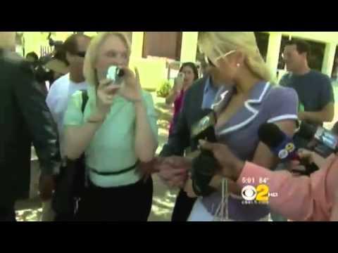 Paris Hilton Attack By Stalker Outside LA Court !!!!