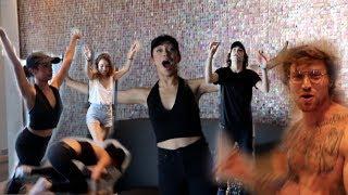 LIZA KOSHY DOES TRICKS IN $35,000 HOTEL ROOM!!