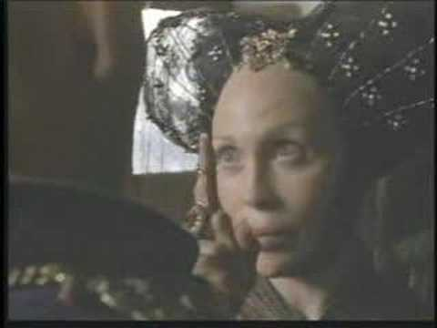 Faye Dunaway in The Messenger: The Story of Joan of Arc 1