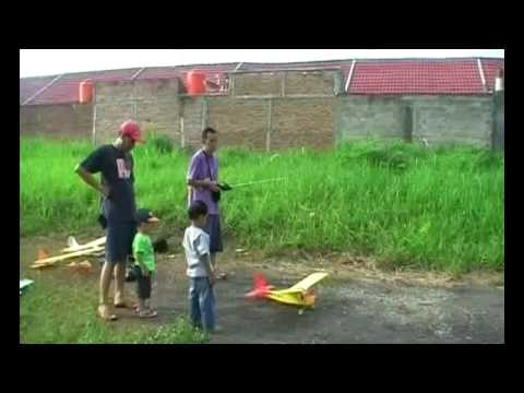 Coroplast airplane RC 3ch flight MGT 16052010
